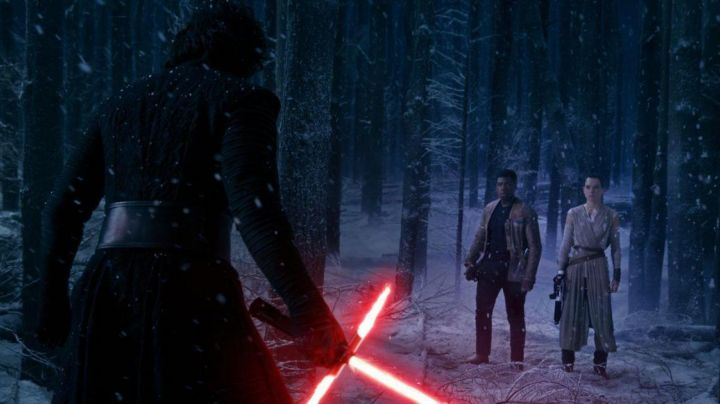 """The sabre laser Hasbro of Kylo Ren (Adam Driver) in """" Star Wars 7 : The awakening of the force - Movie Outfits and Products"""
