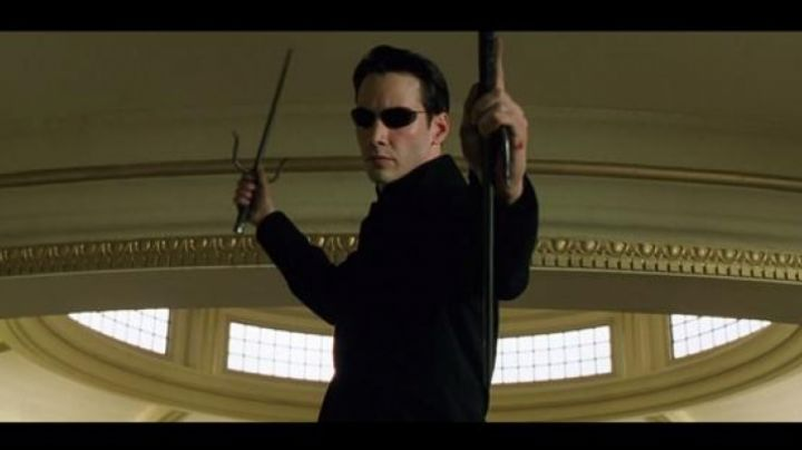 Fashion Trends 2021: The sais of Neo in Matrix Reloaded