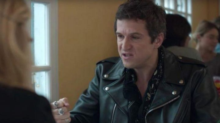The scarf head of death of Guillaume Canet in a Rock ' n Roll - Movie Outfits and Products