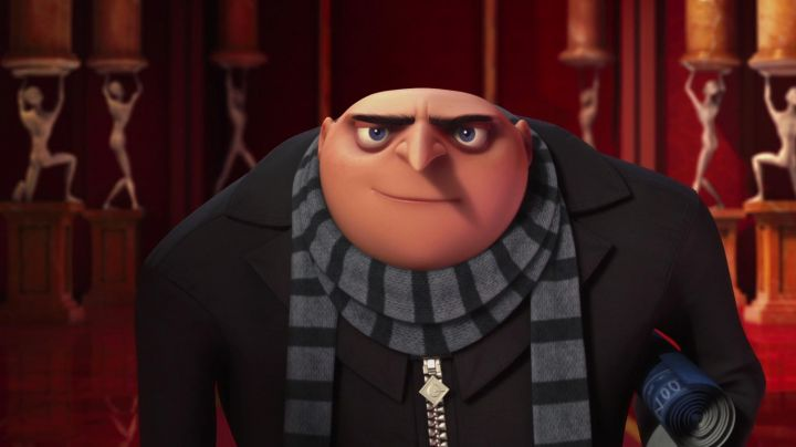 The scarf is striped black and gray Gru in Me, ugly and nasty - Movie Outfits and Products