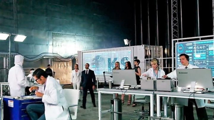 The screen Lenovo saw in the secret lab in Transformers 4 - Movie Outfits and Products