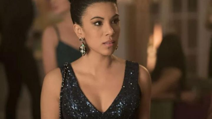 """Fashion Trends 2021: The sequined dress blue Florencia """"Flo"""" Fuentes (Chrissie Fit) in Pitch Perfect 3"""
