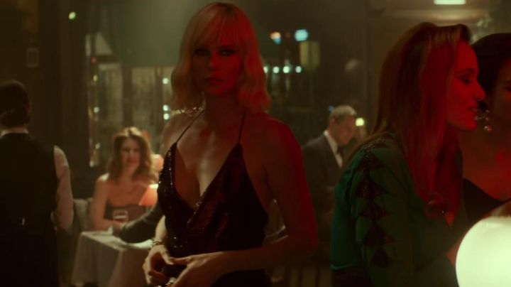 Fashion Trends 2021: The sequined dress of Lorraine Broughton (Charlize Theron) in Atomic Blonde