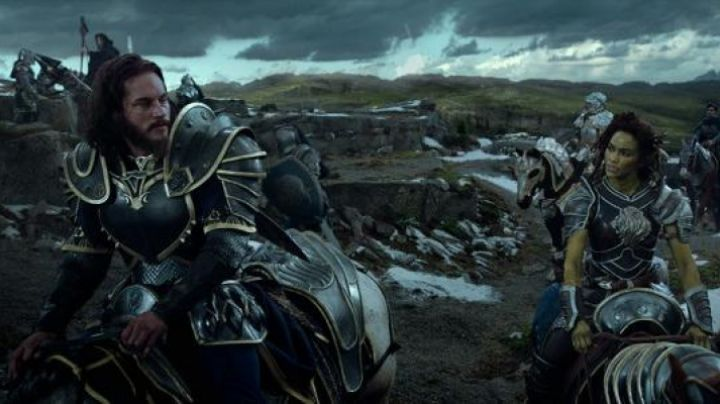 The shield of Anduin Lothar (Travis Fimmel) in the Warcraft : The beginning - Movie Outfits and Products