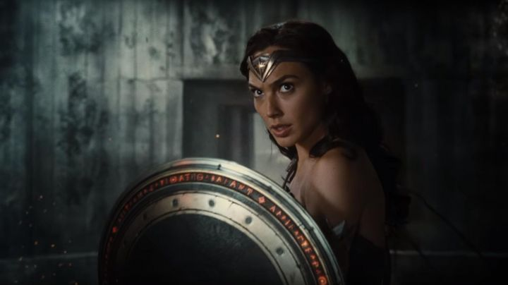 The shield of Wonder Woman (Gal Gadot) Justice League