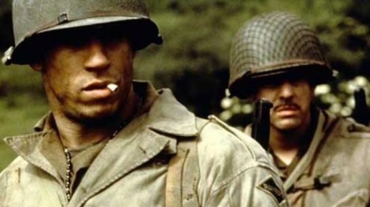 The shirt mustard Adrian Caparzo (Vin Diesel) in saving private Ryan - Movie Outfits and Products