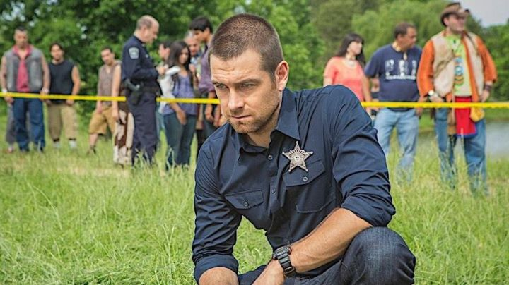 The shirt of Lucas Hood / Tom Palmer (Anthony Starr) in Banshee movie