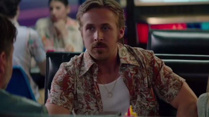 """Fashion Trends 2021: The shirt printed """"Marble"""" of Holland March (Ryan Gosling) in The Nice Guys"""