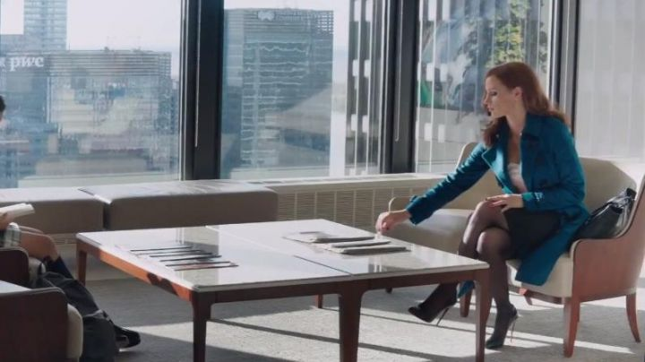 The shoes Christian Louboutin of Molly Bloom (Jessica Chastain) in Molly's Game - Movie Outfits and Products