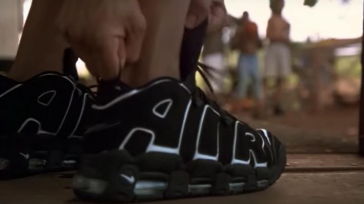 Fashion Trends 2021: The shoes Nike Air more uptempo OG black/white worn by George (Brenda Fraser) in George of the Jungle