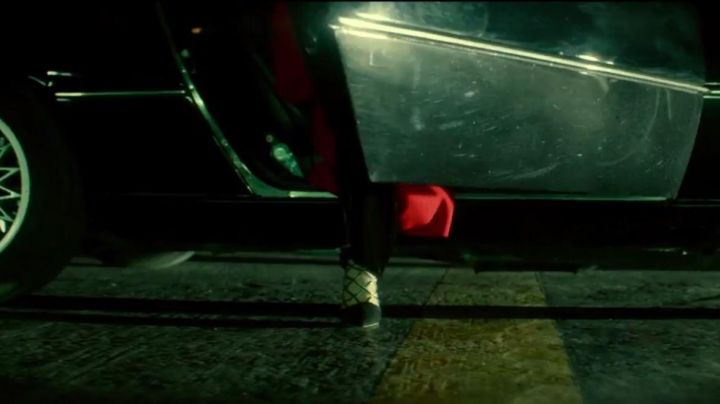 Fashion Trends 2021: The shoes black of Lorraine Broughton (Charlize Theron) in Atomic Blonde
