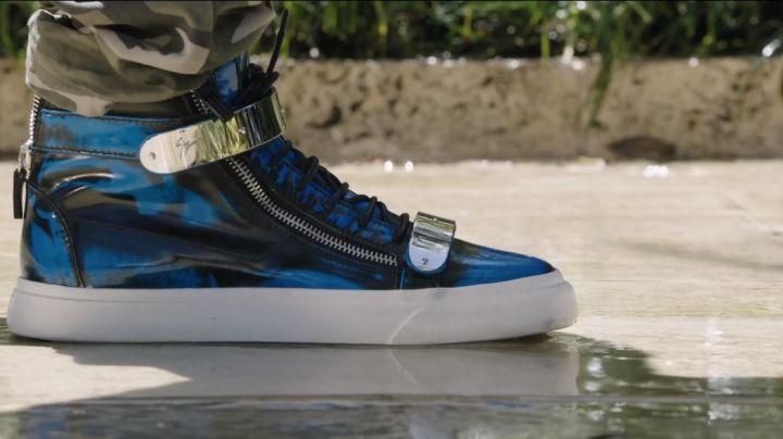 The shoes blue and chrome-plated Giuseppe Zanotti Blotchy James King (Will Ferrell) in Get Hard - Movie Outfits and Products