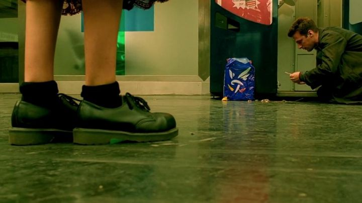 The shoes of Amélie Poulain (Audrey Tautou) in The Fabulous destiny of Amélie Poulain - Movie Outfits and Products