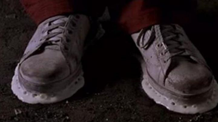 The shoes of Eric Judor in The Tour Montparnasse infernal - Movie Outfits and Products