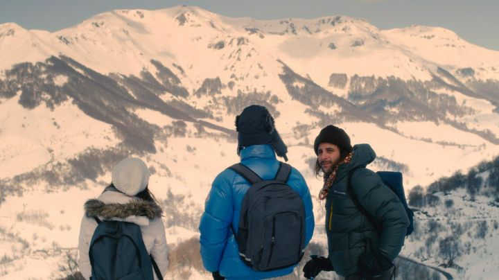 The ski resort Le Lioran in 2 autumns 3 winters (Vincent Macaigne) - Movie Outfits and Products