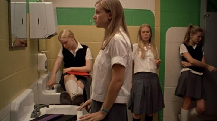 The skirt's grey uniform worn by the girls Lisbon in The Virgin Suicides