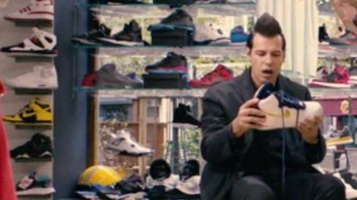 The sneakers Air Jordan 7 Black in 16 Years Or so - Movie Outfits and Products