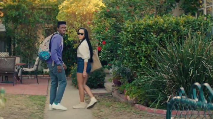 The sneakers Converse white Nakia in Dope - Movie Outfits and Products