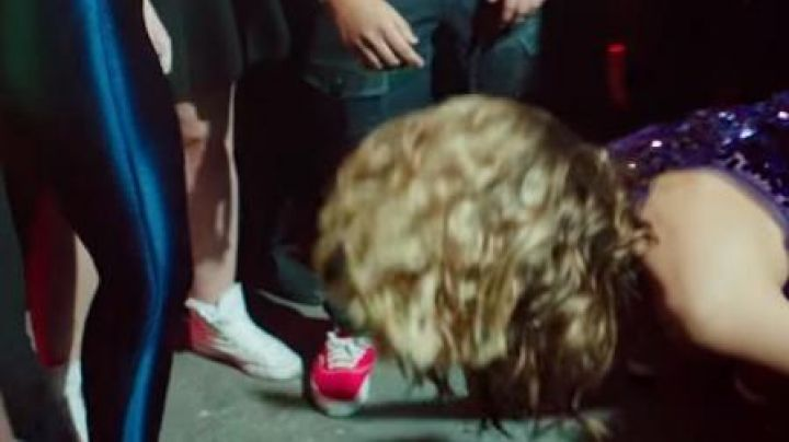 The sneakers Vans Authentic Red in Legacy - Movie Outfits and Products
