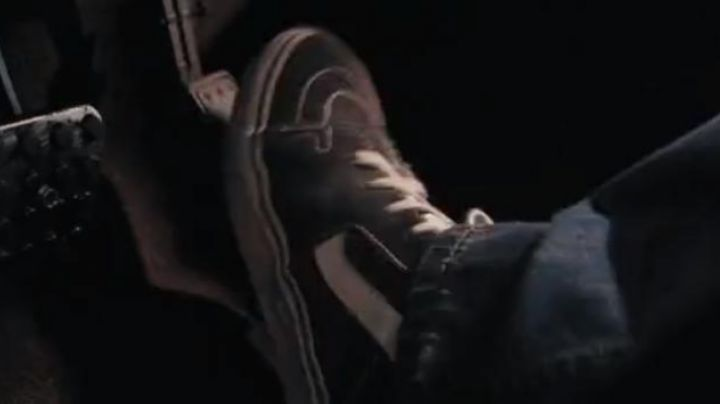 The sneakers Vans Old Skool black Brian O'conner (Paul Walker) in Fast & Furious 6 - Movie Outfits and Products