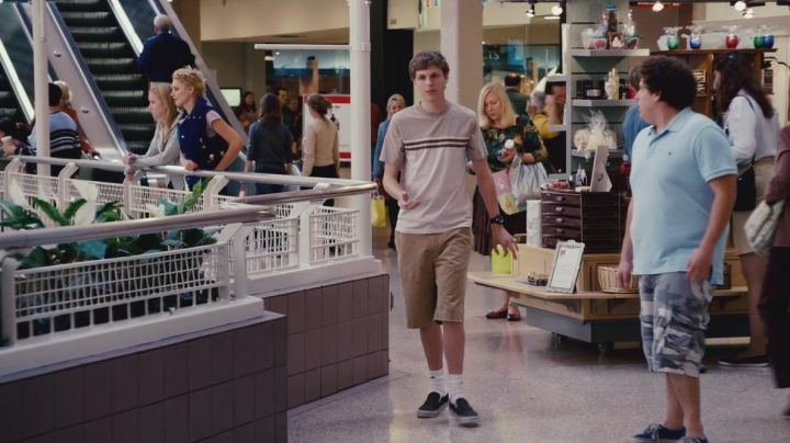 The sneakers Vans Old Skool of Evan (Michael Cera) in Superbad / Supergrave - Movie Outfits and Products