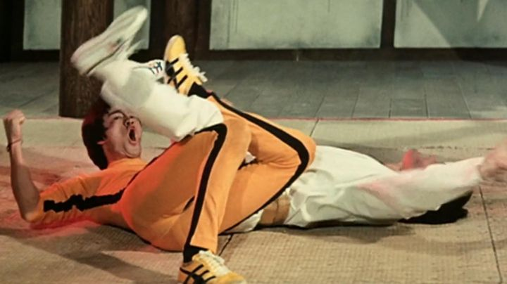 """The sneakers iconic Onitsuka Tiger """"Tai Chi"""" Billy Lo (Bruce Lee) game of death - Movie Outfits and Products"""