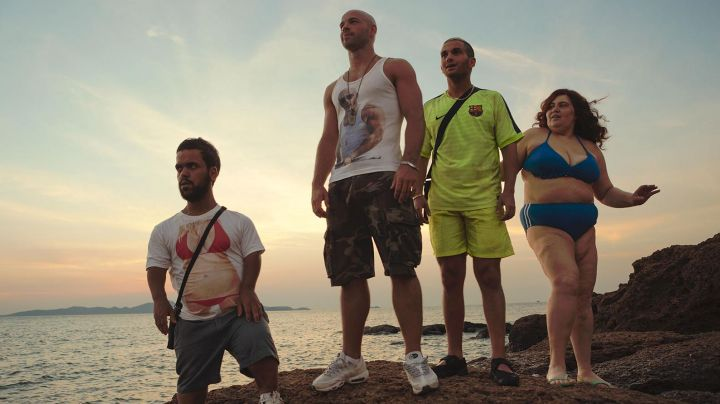 The sneakers of Francky in Pattaya - Movie Outfits and Products