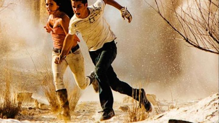 The sneakers of Shia LaBeouf in Transformers 2: the Revenge - Movie Outfits and Products