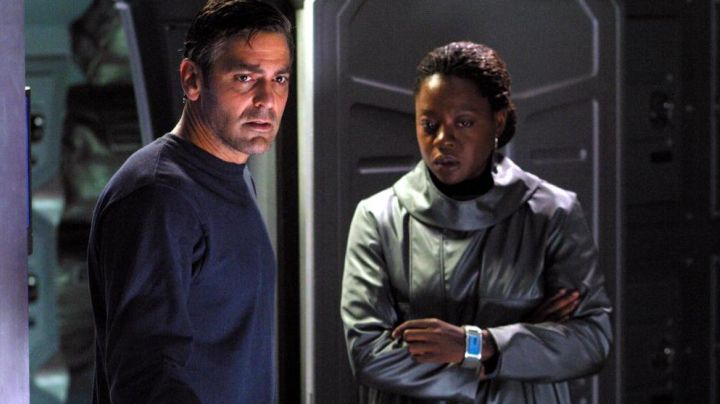 The spatial combination of Viola Davis in Solaris - Movie Outfits and Products