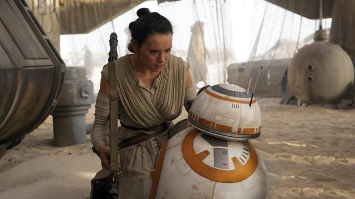 The spear of Rey (Daisy Ridley in Star Wars VII : The awakening of the force - Movie Outfits and Products