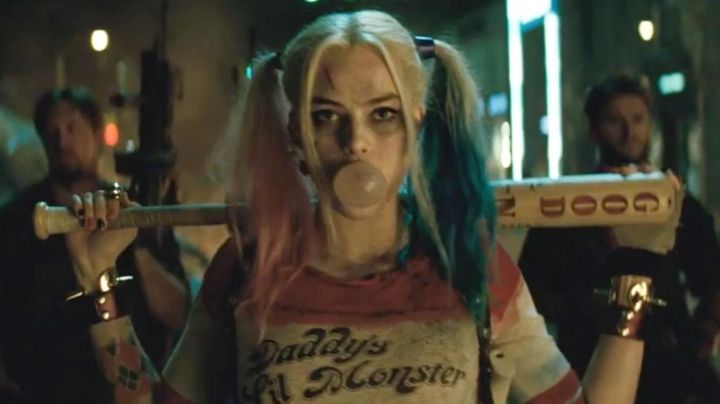The spiked bracelets of Harley Quinn (Margot Robbie) in Suicide Squad