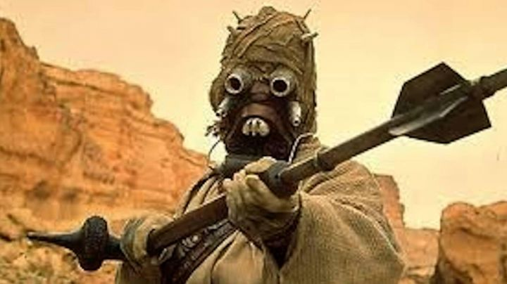 The stick Gaderffii in Star Wars IV : A new hope - Movie Outfits and Products