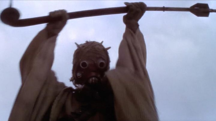 The stick of the Tusken in Star Wars IV : A new hope - Movie Outfits and Products