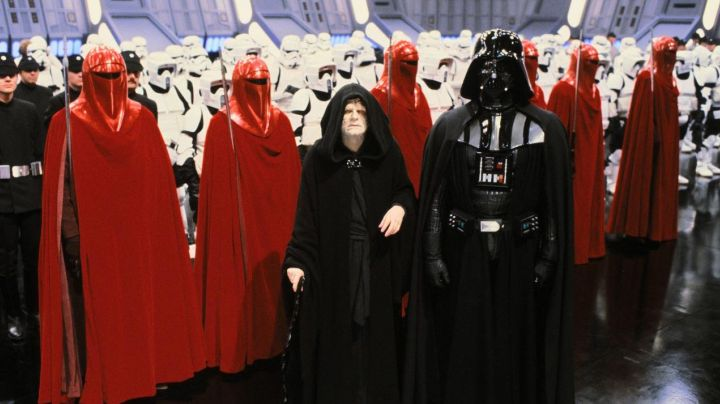The sticks of the imperial guard in Star Wars VI : return of The Jedi - Movie Outfits and Products
