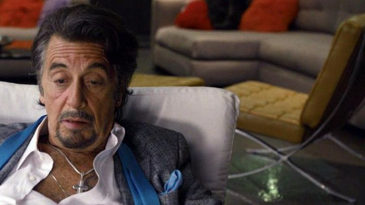 The stool KNOLL Danny Collins (Al Pacino) in Imagine - Movie Outfits and Products