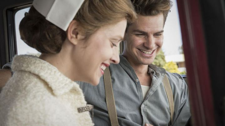 The strapless vintage Desmond T. Doss (Andrew Garfield) in Thou shalt not kill - Movie Outfits and Products