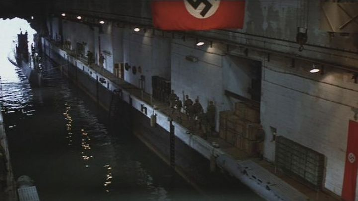 The submarine base nazi in Indiana Jones, Raiders of the lost Ark - Movie Outfits and Products
