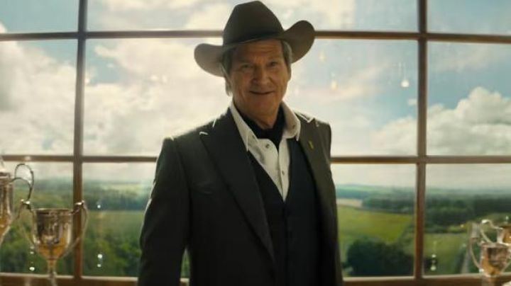 """The suit jacket """"Wetsern"""" Mr Porter Agent Champagne (Jeff Bridges) in Kingsman : the golden circle - Movie Outfits and Products"""