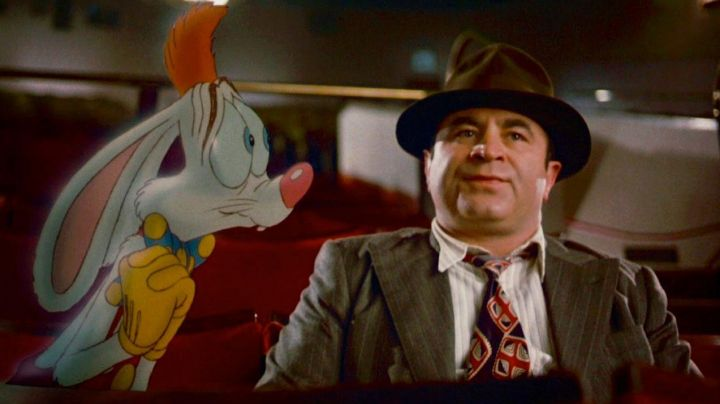 The suit of Roger Rabbit in the animated film Who wants the skin of Roger Rabbit Movie