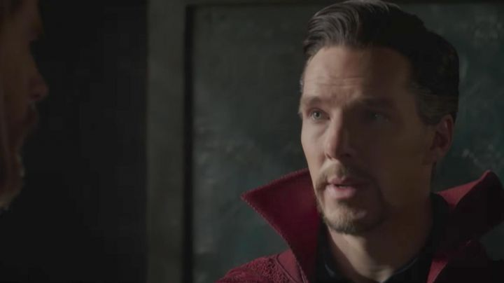The suit of Stephen Strange / Doctor Strange (Benedict Cumberbatch) in Thor : Ragnarok - Movie Outfits and Products