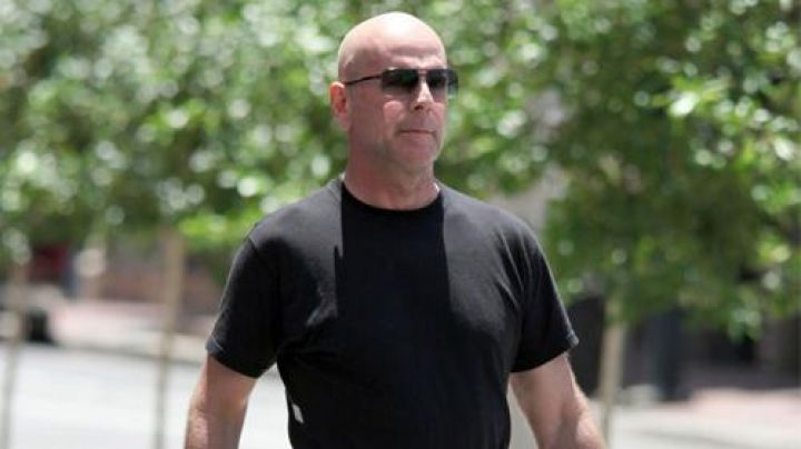 The sunglasses Ic! Berlin Mike Cella (Bruce Willis) in Fire with Fire : Vengeance by fire - Movie Outfits and Products