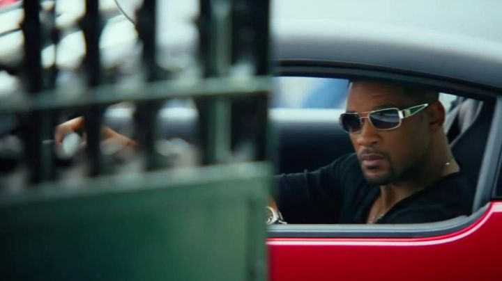 The sunglasses Loree Rodkin Nicky Spurgeon (Will Smith) in Diversion movie