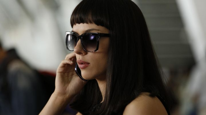The sunglasses Lucy (Scarlett Johansson) in Lucy movie