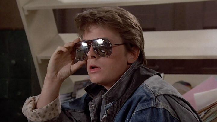 The sunglasses Marty McFly (Michael J. Fox) in Back to the future - Movie Outfits and Products