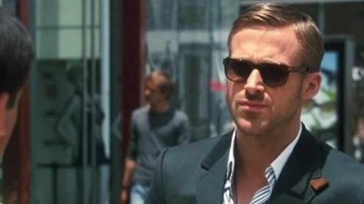 The sunglasses of Jacob Palmer (Ryan Gosling) in Crazy, Stupid, Love - Movie Outfits and Products