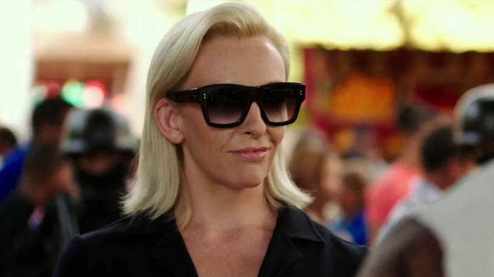 The sunglasses of Jane Marke (Toni Collette) in xXx : Reactivated - Movie Outfits and Products