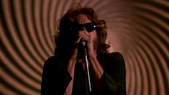 The sunglasses of Jim Morrison (Val Kilmer) in the movie the doors - Movie Outfits and Products