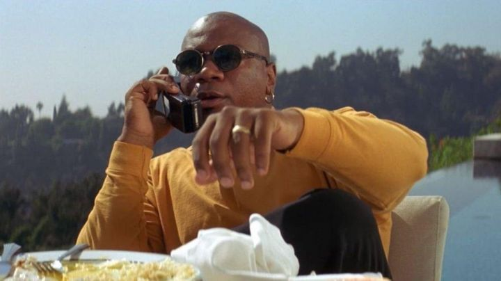 The sunglasses of Marsellus Wallace (Ving Rhames) in Pulp Fiction movie