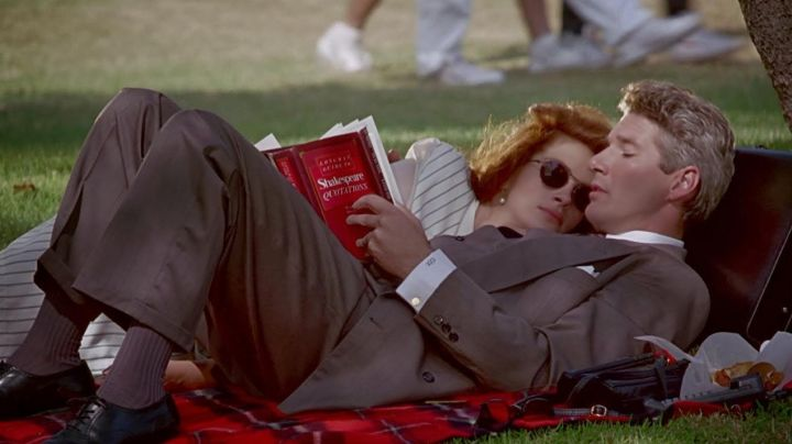 The sunglasses of Vivian Ward (Julia Roberts) in Pretty Woman - Movie Outfits and Products