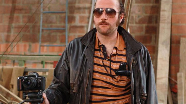 The sunglasses worn by Claudy (François Damiens) in Dikkenek - Movie Outfits and Products